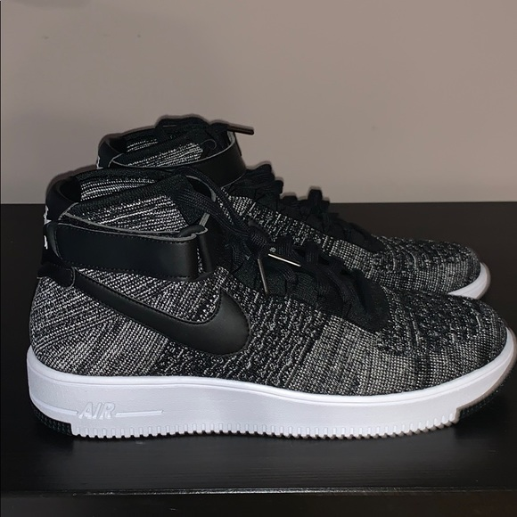 san francisco fc4a3 bd6c9 Nike Air Force 1 Flyknit High Top